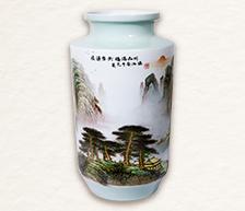 《鸿运当头 福满山川》粉彩装饰瓷瓶
