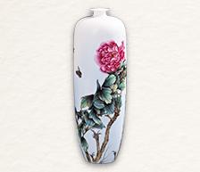 《雍容华贵》粉彩装饰瓷瓶