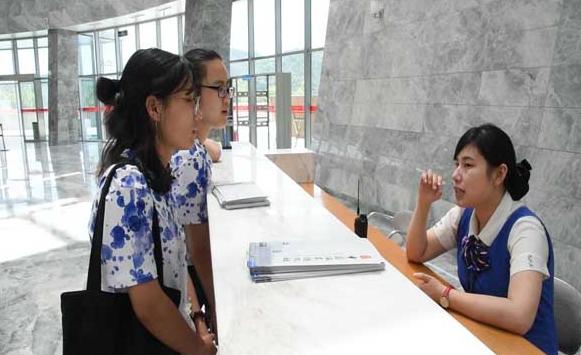 浙江理工大学经管学院学子访瓷都承传统文化