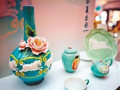 立体瓷器将昭陵六骏搬上秘色瓷瓶